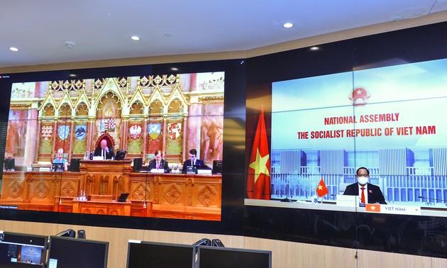 Vietnam asiste a XVIII Foro Parlamentario de Seguridad e Inteligencia