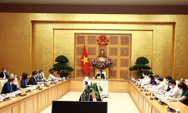 Viceprimer ministro de Vietnam se reúne con 6 bancos de desarrollo
