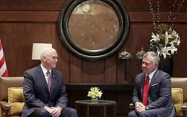 """Le roi de Jordanie exprime à Pence son """"inquiétude"""" au sujet de Jérusalem"""