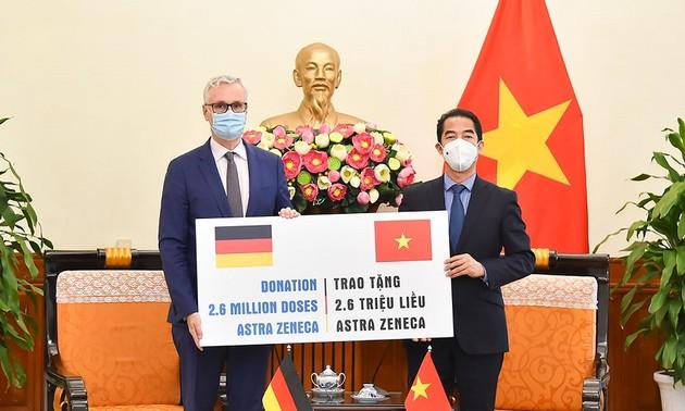 L'Allemagne fait don de 2,6 millions de doses de vaccin anti-Covid-19 au Vietnam