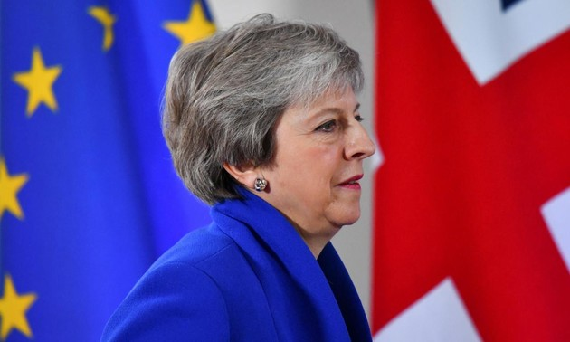 Theresa May seeks further Brexit assurances from EU