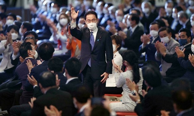 Vietnam pledges closer cooperate with Japan's new government