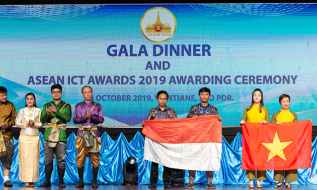 Vietnam's online learning social network wins gold at ASEAN ICT Awards 2019
