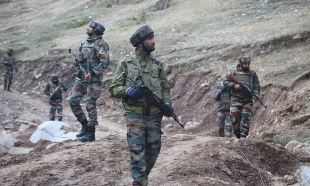 India, Pakistan troops exchange fire on Kashmir Line of Control