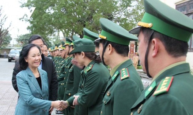 Soldiers in Quang Nam hailed for disaster mitigation efforts