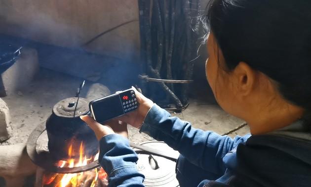 Sendungen in der Sprache der Minderheitsvolksgruppen Tay und Nung im Radio VOV