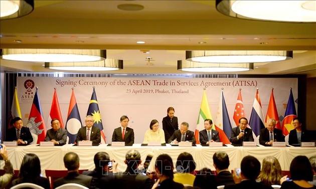 Verabschiedung des Handels- und Dienstleistungsabkommens der ASEAN