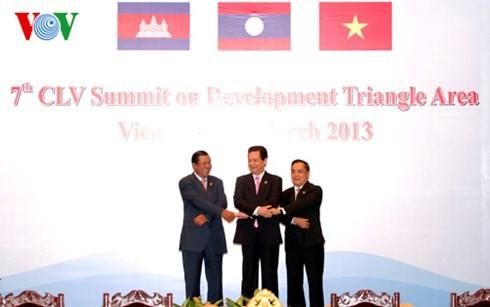 Đàm phán Hiệp định khu tam giác phát triển Lào-Việt Nam-Campuchia