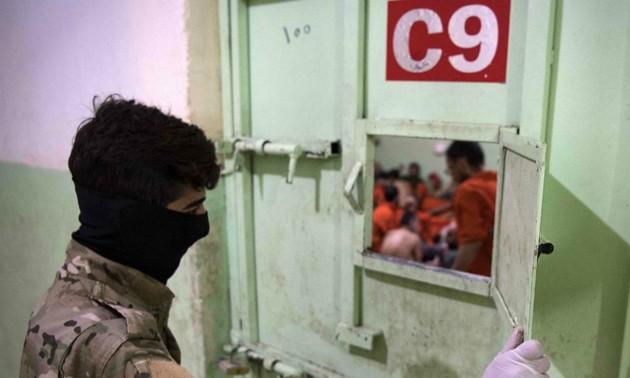 Турция начала высылать захваченных боевиков ИГ в страны их происхождения