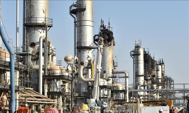 ОПЕК+ расматривает возможность изменения планов по уменьшению добычи нефти