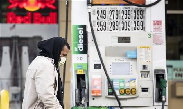 Harga minyak terus meningkat ketika permufakatan pemangkasan hasil produksi dari OPEC+ resmi berlaku