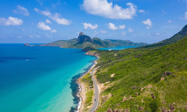 Mengembangkan Pariwisata Kepulauan  Con Dao Menurut Arah yang Berkelanjutan