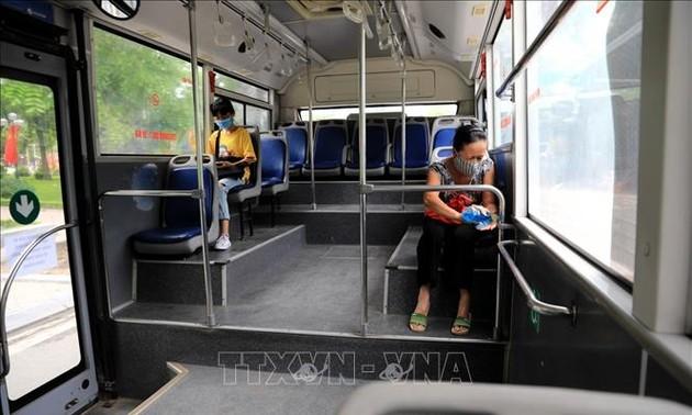 Kota Ha Noi dan Kota Ho Chi Minh Berinisiatif Atasi Pandemi Covid-19 Di Tengah Kenormalan Baru