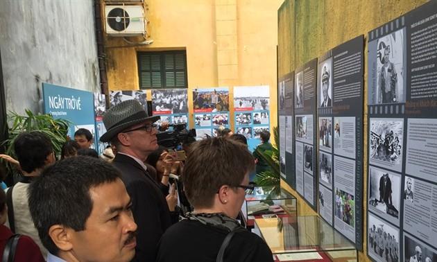 Exhibition recalls memories of Dien Bien Phu  in the Air Victory