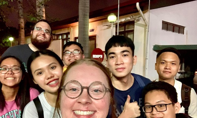 Club welcomes Vietnamese to practice English with native speakers