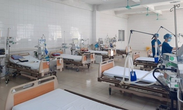 Hanoi prepares 8,000 hospital beds for COVID-19 patients