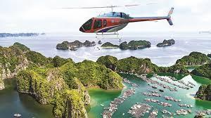 Mengikhtisarkan sepintas lintas tentang jasa penerbangan memandangi Teluk Ha Long