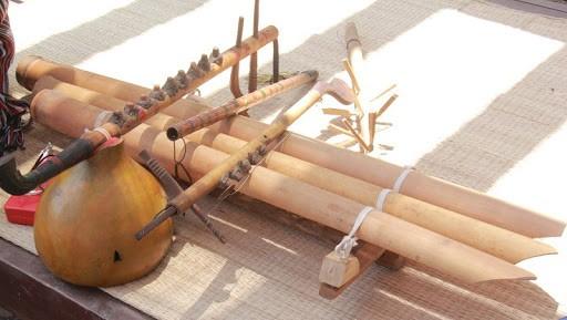Perkenalan tentang Beberapa Alat Musik Tradisional di Vietnam dan Sedotan dari Beras yang Ramah Lingkungan di Vietnam