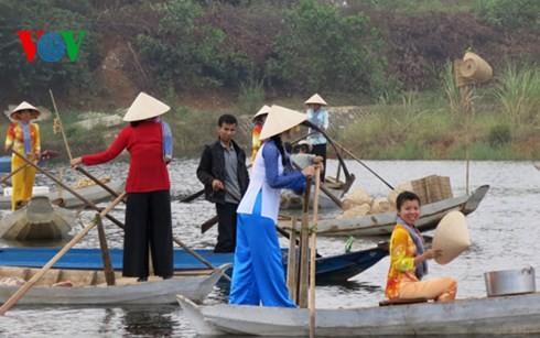 "Beginn der Veranstaltungen der Woche ""Solidarität der Volksgruppen – Kulturerbe Vietnams 2015"""