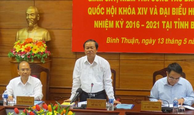 Vize-Parlamentspräsident Do Ba Ty überprüft Wahlvorbereitung in Binh Thuan