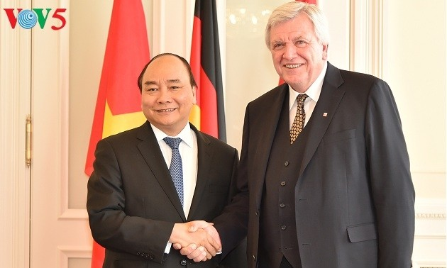 Verstärkung der Zusammenarbeit zwischen dem Bundesland Hessen und den vietnamesischen Städten