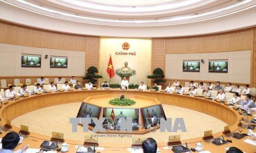 Premierminister Nguyen Xuan Phuc leitet die Sitzung über Gesetzgebungsarbeit