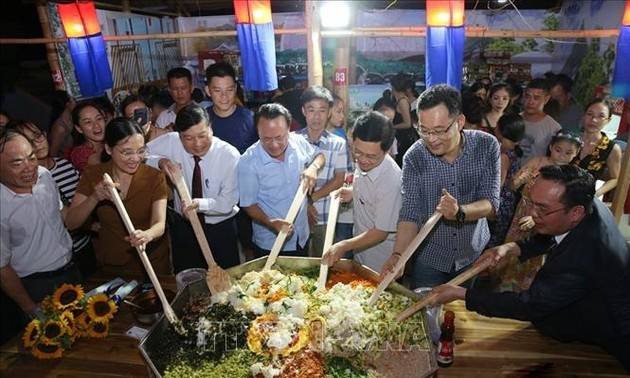 Vorstellung der kulinarischen Einzigartigkeit verschiedener Gebiete in Vietnam