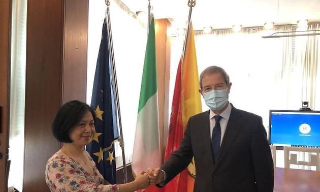 Vietnam ist für Unternehmen aus Sizilien in Italien attraktiv