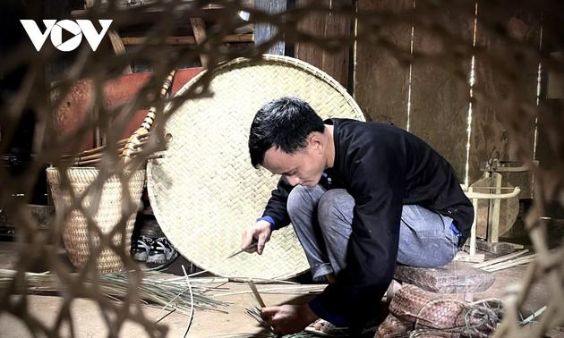 Bewahrung des Flechtens der Volksgruppe der Mong aus der Provinz Yen Bai
