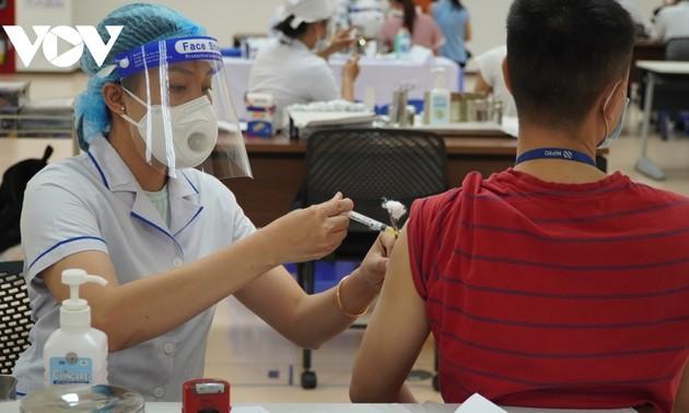 호찌민시의 역사적 백신 접종 캠페인에 온 힘을 쏟아