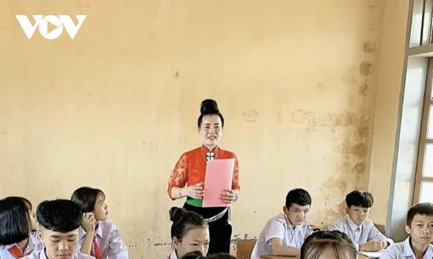 热爱泰族民歌的艺人——卢氏班