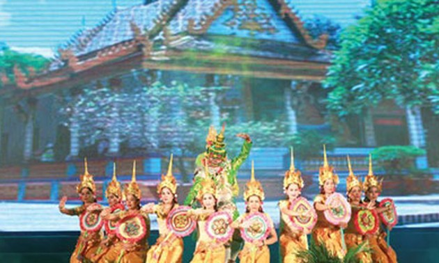 Tourism potential of the Mekong Delta displayed in Hanoi