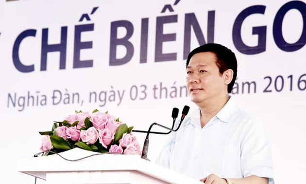 Deputy Prime Minister Vuong Dinh Hue attended major project ground breaking ceremonies in Nghe An