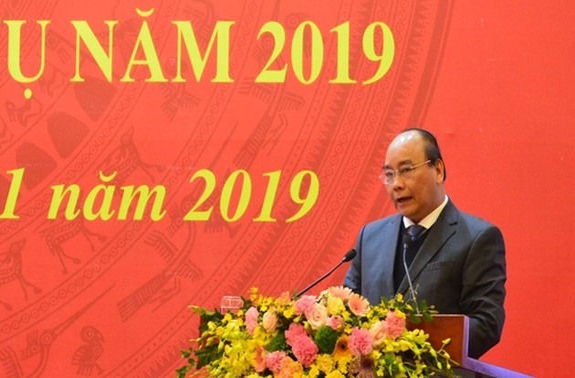 PM Nguyen Xuan Phuc chairs national mass mobilization conference