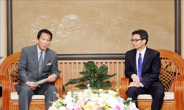 Deputy Prime Minister Vu Duc Dam receives Vietnam – Japan Special Ambassador Sugi Ryotaro