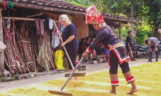 Binh Lieu - ideal destination for visitors during autumn