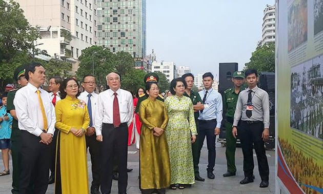 Photo exhibition to mark the 90th anniversary of the Communist Party of Vietnam