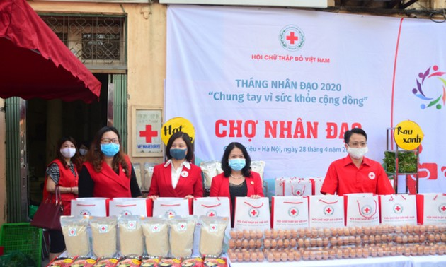 Vietnam Red Cross launches Charity Bazar