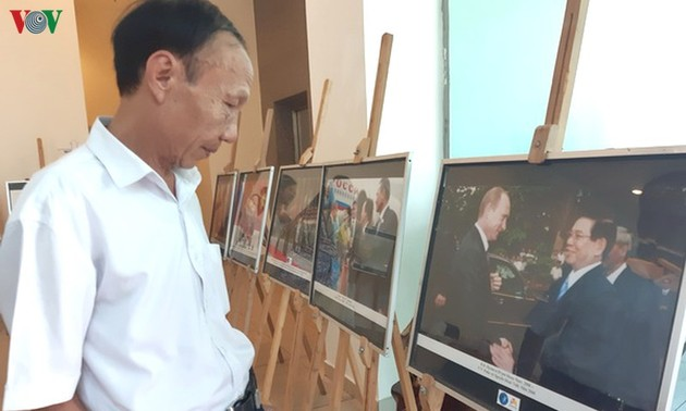 Photo exhibition marks 70 years of Vietnam-Russia relations