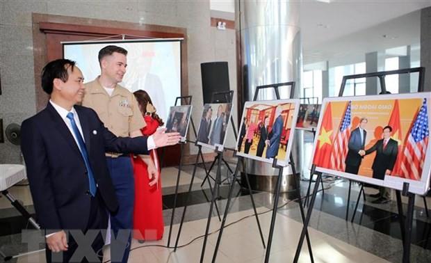 Photo exhibition features Vietnam-US diplomatic ties