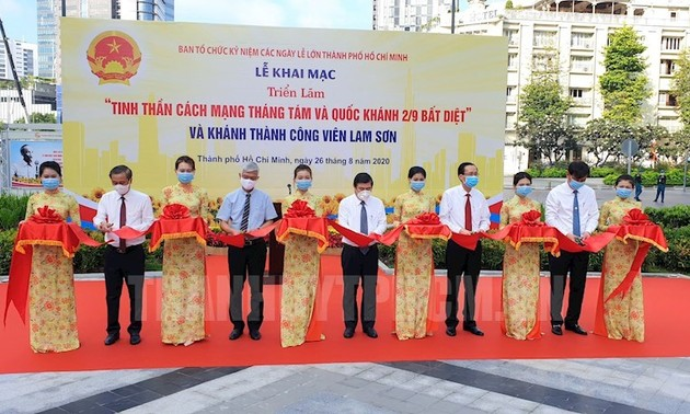 Photo exhibition features August Revolution, National Independence
