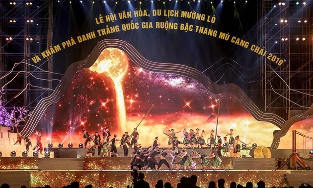 Muong Lo Culture, Tourism Festival honored with Stevie Awards
