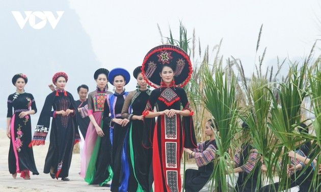 Ao Dai Festival excites crowds in Quang Ninh province