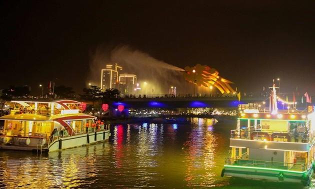 Da Nang reopens night tours on Han river