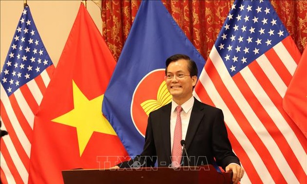 The US wishes to play a positive role in East Asian development