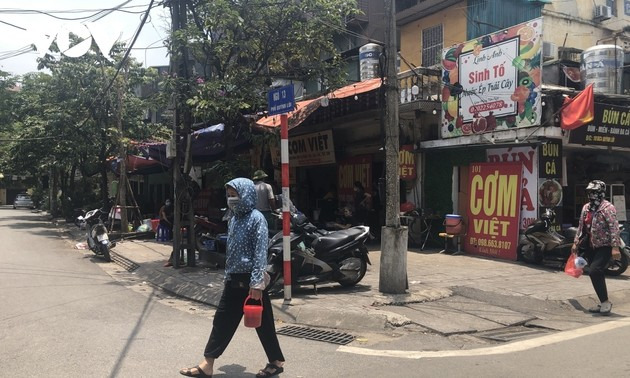 Hanoi suspends catering services as COVID-19 cases rise