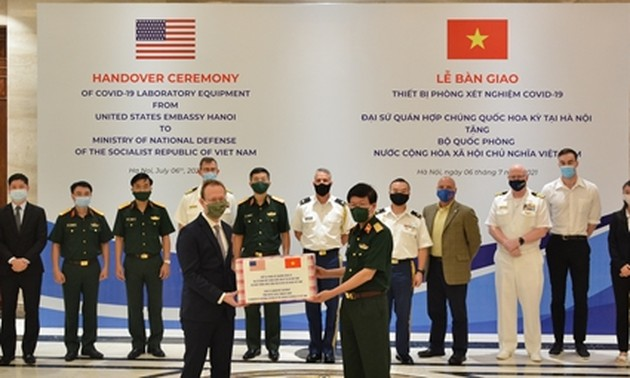 US Embassy presents COVID-19 lab equipment to Defence Ministry