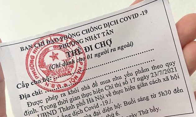 Hanoi issues market coupons to residents amid soaring COVID-19 caes
