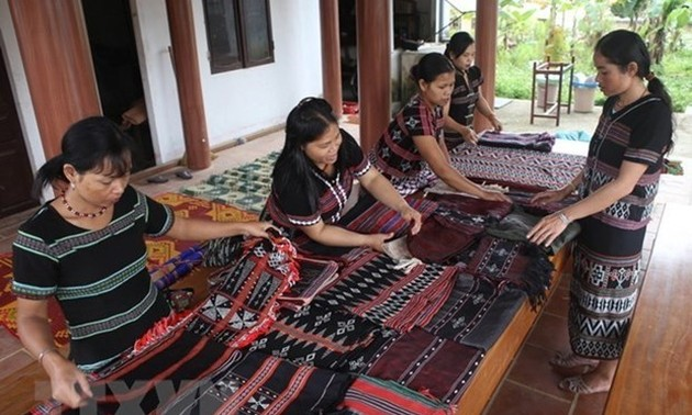 Vietnam gains outstanding achievements in gender equality in ethnic groups