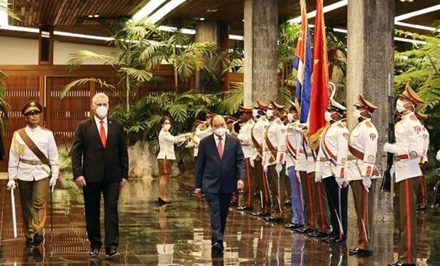Vietnam, Cuba seek to bolster ties across the board